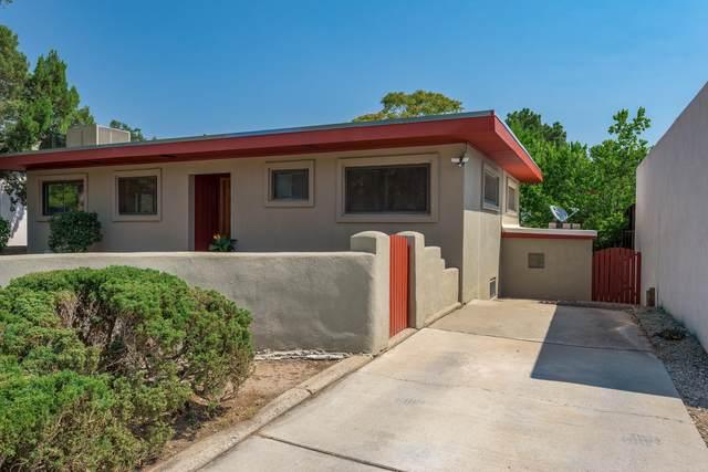 716 Solano Drive SE, Albuquerque, NM 87108 (MLS #998030) :: The Buchman Group