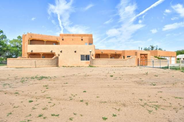 1434 Tierra Verde Place SW, Albuquerque, NM 87105 (MLS #998644) :: Keller Williams Realty
