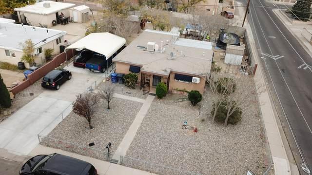 2804 Hermosa Drive NE, Albuquerque, NM 87110 (MLS #1003433) :: The Buchman Group