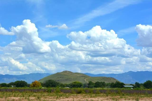 8 Leibel Court, Los Lunas, NM 87031 (MLS #894695) :: Berkshire Hathaway HomeServices Santa Fe Real Estate