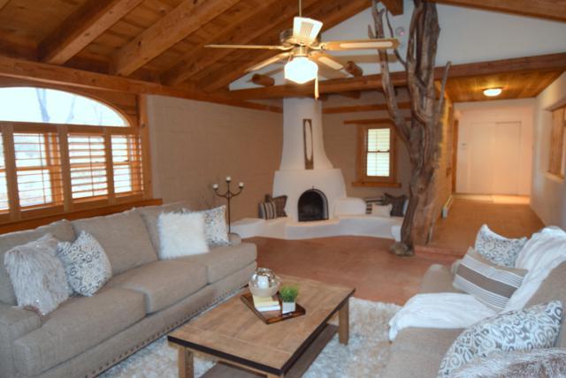 8412 Rio Grande Boulevard NW, Los Ranchos, NM 87114 (MLS #911504) :: Campbell & Campbell Real Estate Services
