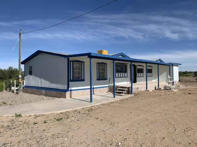 1746 Highway 304, Belen, NM 87002 (MLS #925332) :: Silesha & Company