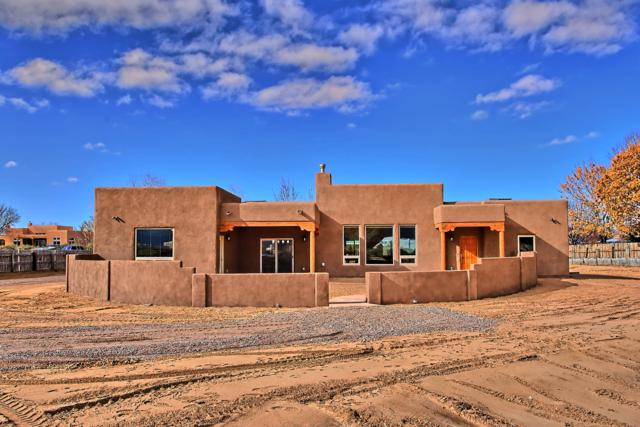 117 Doolittle Lane, Corrales, NM 87048 (MLS #933000) :: Campbell & Campbell Real Estate Services