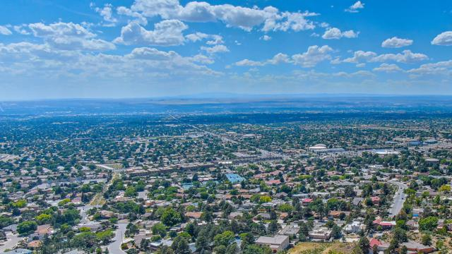 13332 Sunset Drive NE, Albuquerque, NM 87111 (MLS #945662) :: The Bigelow Team / Realty One of New Mexico