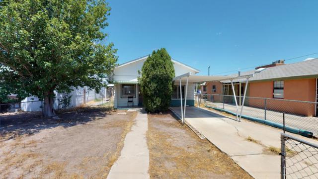 509 Aztec Road NW, Albuquerque, NM 87107 (MLS #949572) :: Silesha & Company