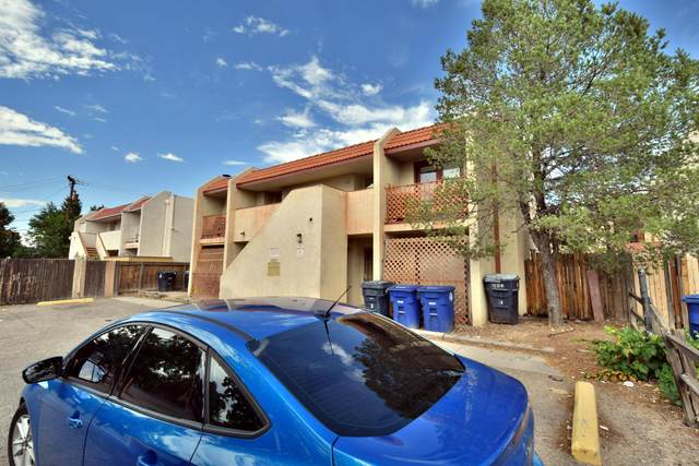 304 Western Skies Drive SE, Albuquerque, NM 87123 (MLS #951542) :: The Bigelow Team / Red Fox Realty