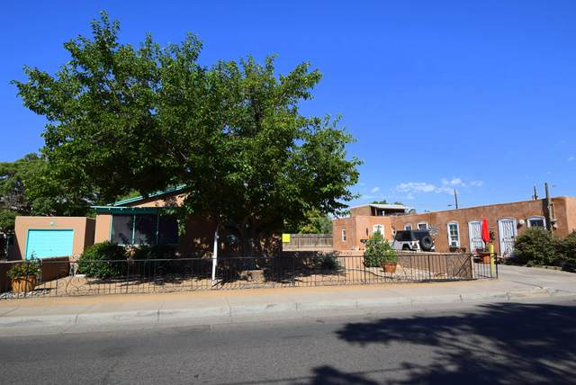 403 San Felipe Street NW, Albuquerque, NM 87104 (MLS #952510) :: The Buchman Group