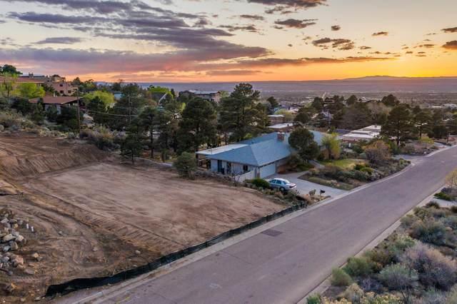 13606 Sunset Canyon Drive NE, Albuquerque, NM 87111 (MLS #968704) :: Berkshire Hathaway HomeServices Santa Fe Real Estate