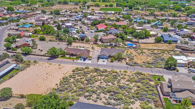 Valley View, Los Lunas, NM 87031 (MLS #969591) :: Berkshire Hathaway HomeServices Santa Fe Real Estate