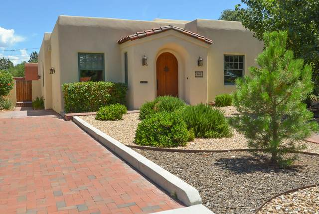 306 Bryn Mawr Drive SE, Albuquerque, NM 87106 (MLS #970395) :: Campbell & Campbell Real Estate Services