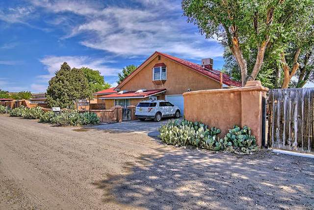 534 Camino Los Milagros, Corrales, NM 87048 (MLS #970460) :: Campbell & Campbell Real Estate Services