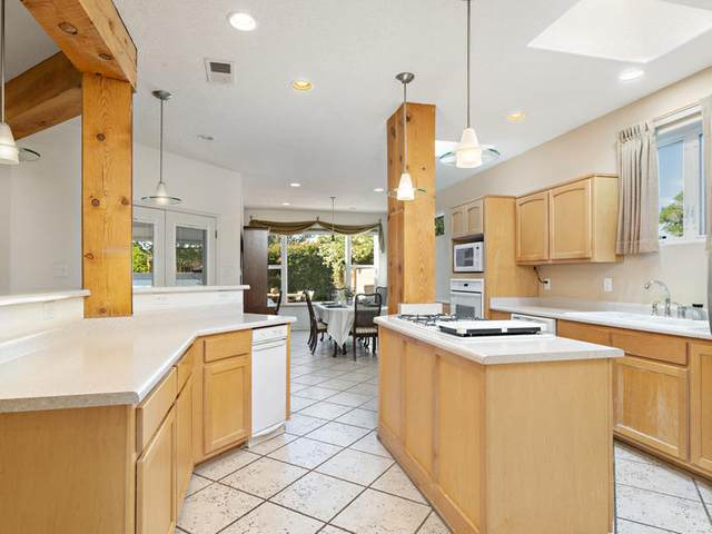 2805 Aloysia Lane NW, Albuquerque, NM 87104 (MLS #970571) :: Berkshire Hathaway HomeServices Santa Fe Real Estate