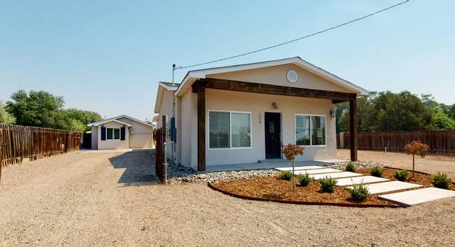 349 Nara Visa Road NW, Los Ranchos, NM 87107 (MLS #970684) :: The Bigelow Team / Red Fox Realty