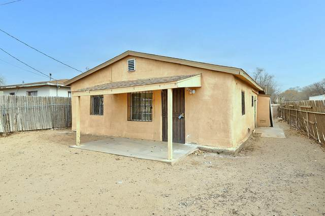 1700 Foothill Drive SW, Albuquerque, NM 87105 (MLS #981094) :: Campbell & Campbell Real Estate Services