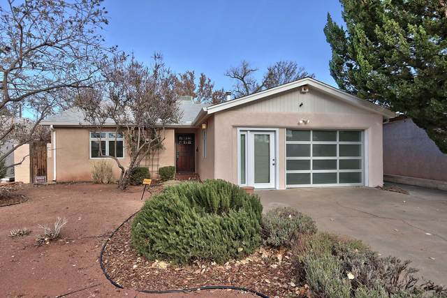 1727 Kit Carson Avenue SW, Albuquerque, NM 87104 (MLS #981179) :: Campbell & Campbell Real Estate Services
