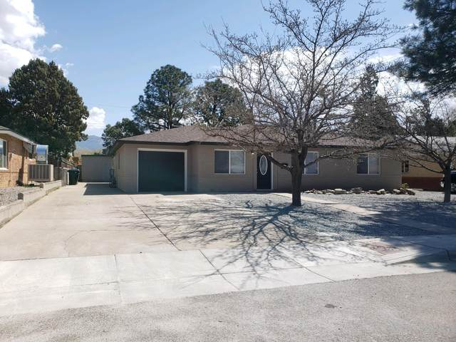 2014 Hendola Drive NE, Albuquerque, NM 87110 (MLS #985292) :: Keller Williams Realty