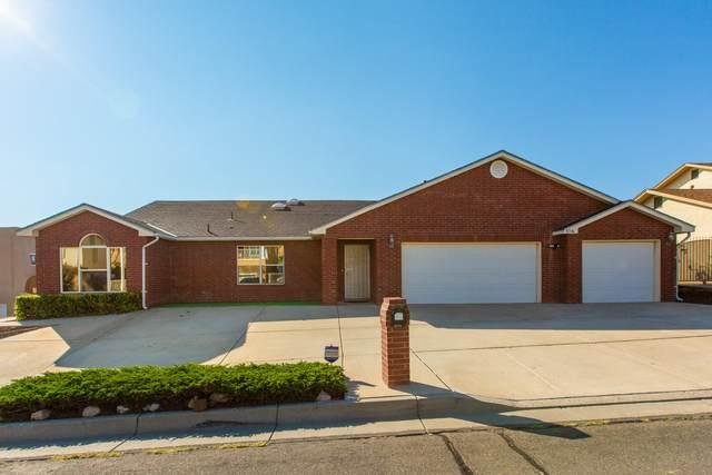5116 Lomas De Atrisco Road NW, Albuquerque, NM 87105 (MLS #990812) :: Keller Williams Realty
