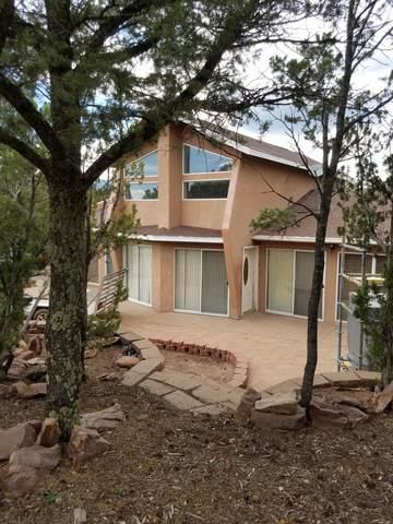 32 Puntilla Drive B, Tijeras, NM 87059 (MLS #997573) :: Campbell & Campbell Real Estate Services