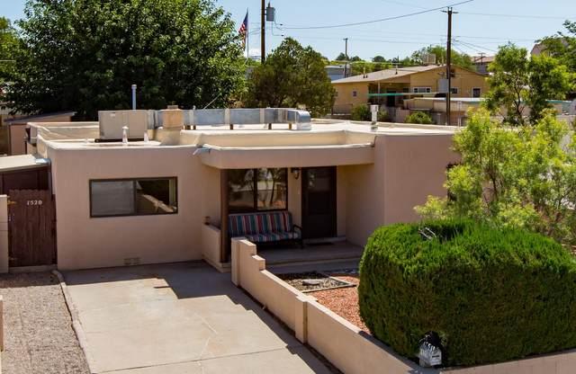 1520 Buena Vista Drive SE, Albuquerque, NM 87106 (MLS #999804) :: Berkshire Hathaway HomeServices Santa Fe Real Estate
