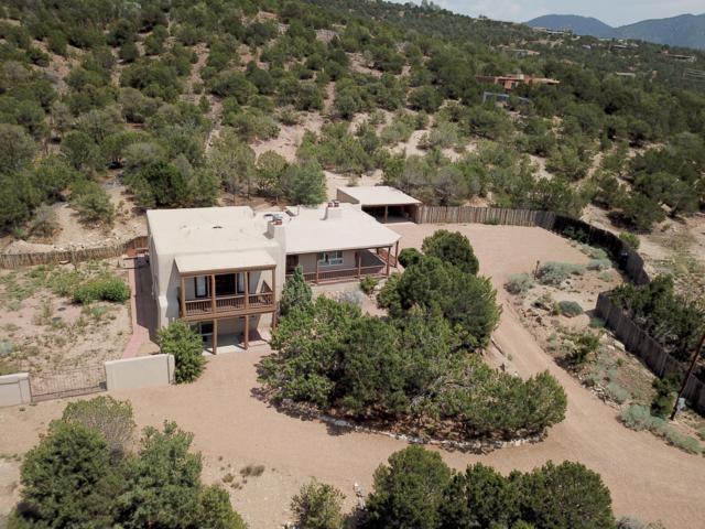 815 Gonzales Road, Santa Fe, NM 87501 (MLS #925237) :: Silesha & Company