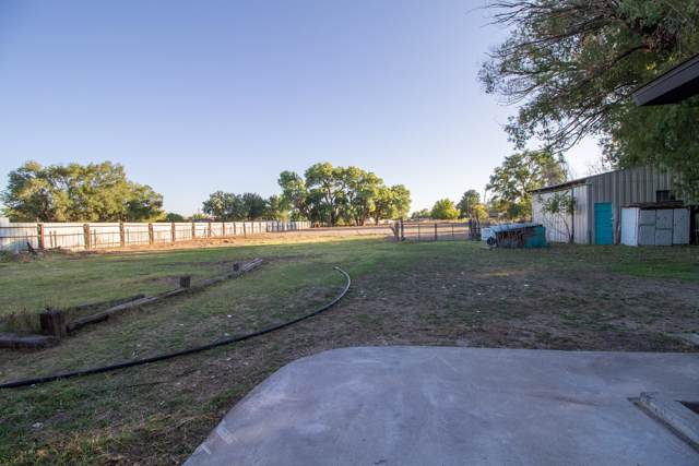 2248 Henry Road SW, Albuquerque, NM 87105 (MLS #955348) :: Campbell & Campbell Real Estate Services