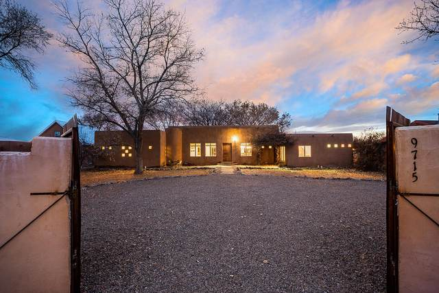 9715 Guadalupe Trail NW, Albuquerque, NM 87114 (MLS #962401) :: The Buchman Group