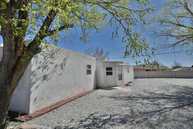 4409 9th NW, Albuquerque, NM 87102 (MLS #965792) :: Berkshire Hathaway HomeServices Santa Fe Real Estate