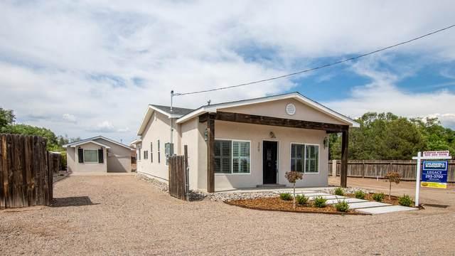 349 Nara Visa Road NW, Los Ranchos, NM 87107 (MLS #970684) :: Campbell & Campbell Real Estate Services