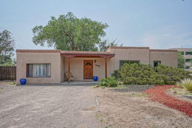 6809 Vermejo Drive NW, Albuquerque, NM 87107 (MLS #993686) :: Keller Williams Realty