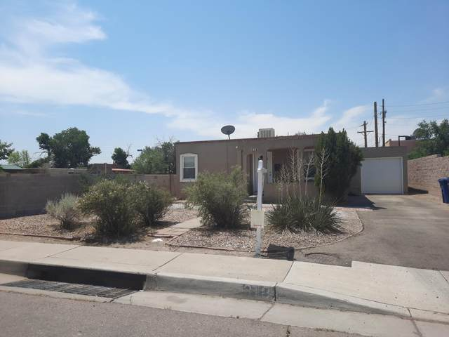 318 Gene Avenue NW, Albuquerque, NM 87107 (MLS #994469) :: Campbell & Campbell Real Estate Services