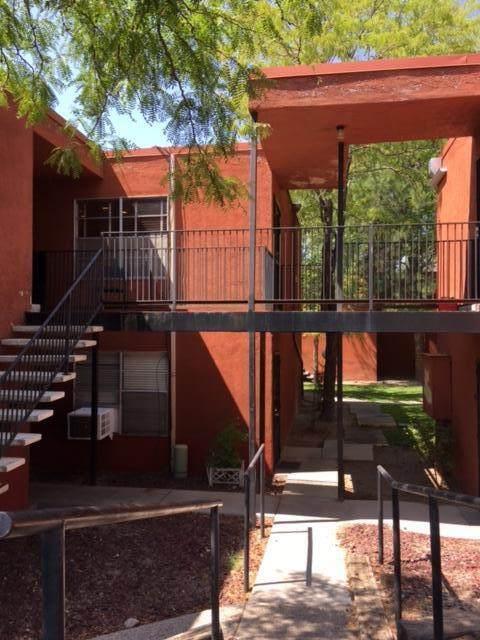 2800 Vail SE #217, Albuquerque, NM 87106 (MLS #1001075) :: The Shear Team