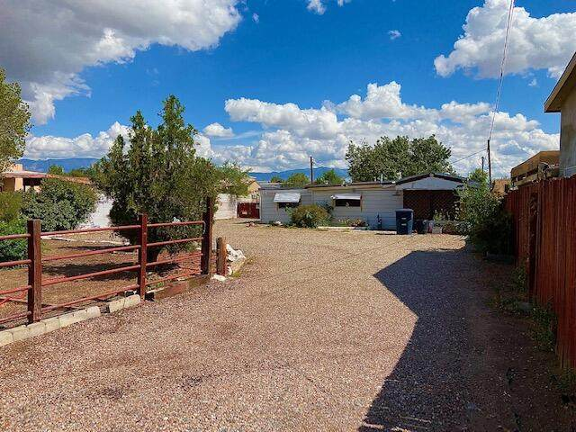 2812 8TH Street NW, Albuquerque, NM 87107 (MLS #1002155) :: Keller Williams Realty