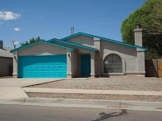 530 Calle Don Santiago NE, Los Lunas, NM 87031 (MLS #1002701) :: Sandi Pressley Team