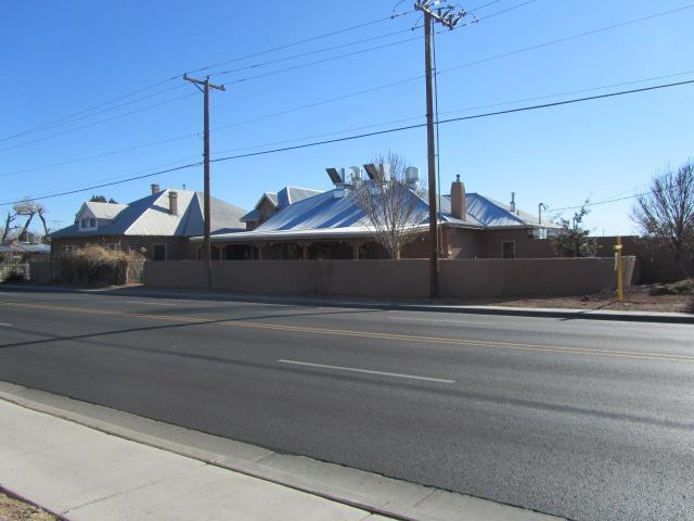 325 Main Street, Los Lunas, NM 87031 (MLS #751946) :: Campbell & Campbell Real Estate Services