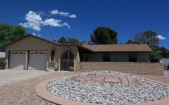 6108 Mckinney Drive NE, Albuquerque, NM 87109 (MLS #902161) :: Campbell & Campbell Real Estate Services