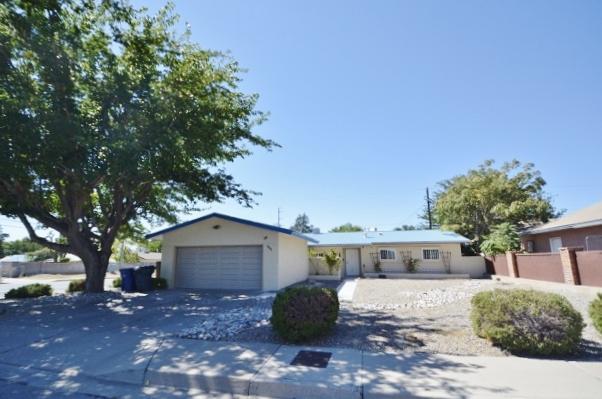 1401 Somervell Street NE, Albuquerque, NM 87112 (MLS #902323) :: Your Casa Team