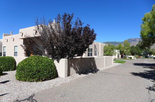 13016 Nandina Way SE, Albuquerque, NM 87123 (MLS #903183) :: Your Casa Team