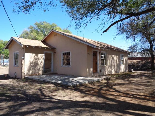 2200 Winchester Drive, Bosque Farms, NM 87068 (MLS #903231) :: Rickert Property Group