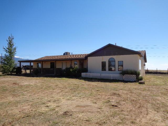 12 Ute Court, Los Lunas, NM 87031 (MLS #904410) :: Campbell & Campbell Real Estate Services