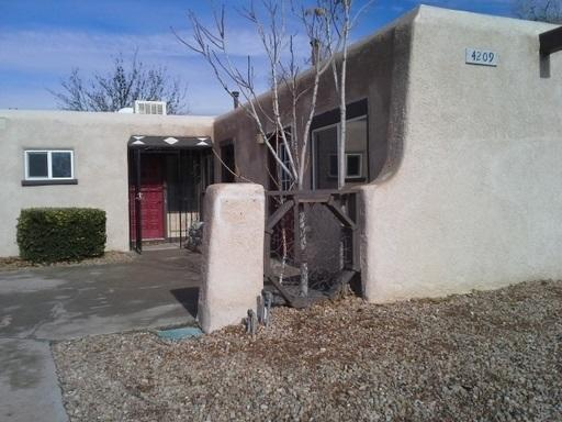 4209 Delamar Avenue NE, Albuquerque, NM 87110 (MLS #906857) :: Will Beecher at Keller Williams Realty