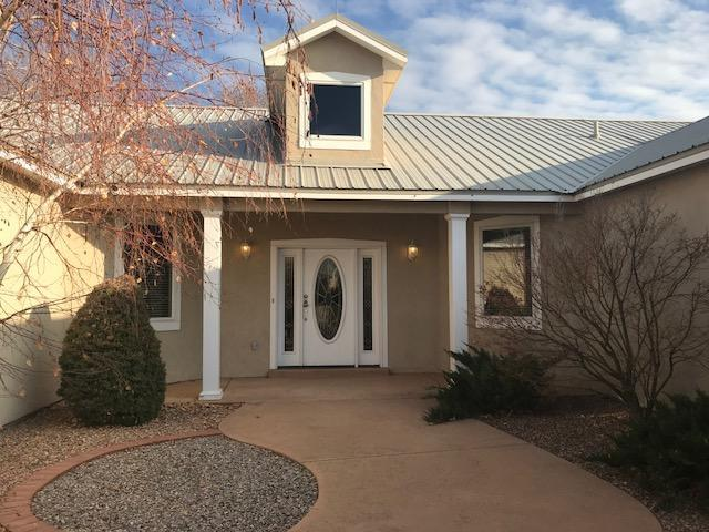 520 Sparrow Hawk Court SE, Albuquerque, NM 87123 (MLS #907659) :: Your Casa Team