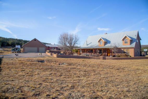 220 La Para Road, Estancia, NM 87016 (MLS #908962) :: Campbell & Campbell Real Estate Services