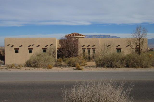 421 Alcano Circle NE, Rio Rancho, NM 87124 (MLS #909483) :: Campbell & Campbell Real Estate Services