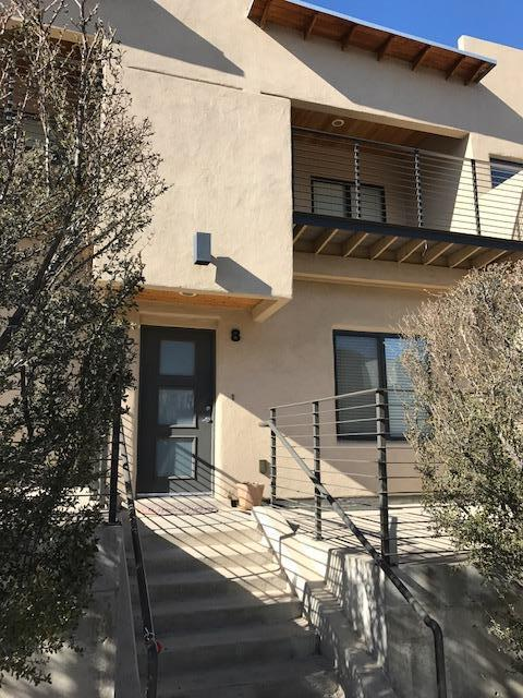 201 Aliso Drive SE #8, Albuquerque, NM 87108 (MLS #910247) :: Campbell & Campbell Real Estate Services
