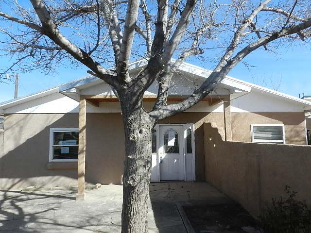 127 Daniel Road NW, Albuquerque, NM 87107 (MLS #912982) :: Your Casa Team