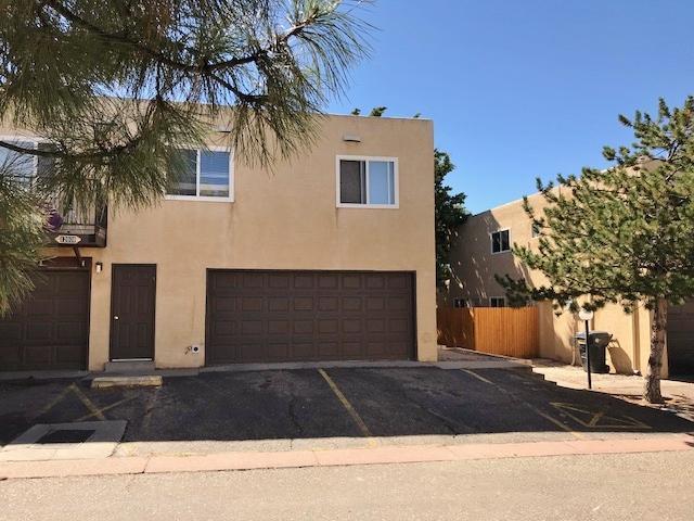 12008 Stilwell Drive NE Apt C, Albuquerque, NM 87112 (MLS #914332) :: Will Beecher at Keller Williams Realty