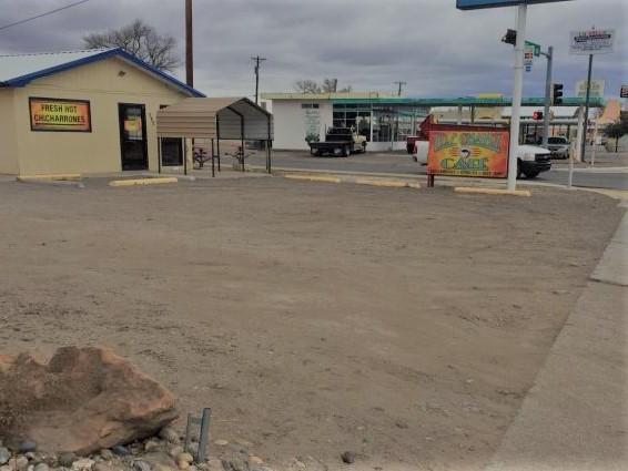 627 Main Street, Belen, NM 87002 (MLS #915493) :: Will Beecher at Keller Williams Realty