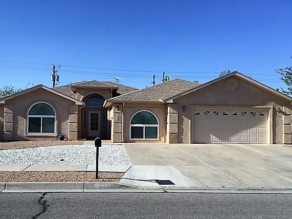 2270 Lonestar Street SW, Los Lunas, NM 87031 (MLS #916232) :: Campbell & Campbell Real Estate Services