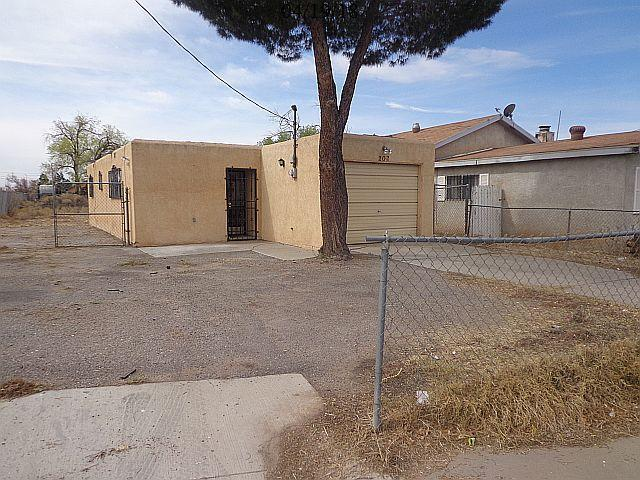 202 Aztec Road NW, Albuquerque, NM 87107 (MLS #916406) :: Campbell & Campbell Real Estate Services