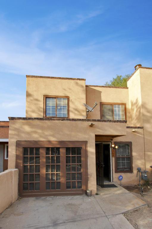 312 Calle De Las Familias, Los Lunas, NM 87031 (MLS #919309) :: Campbell & Campbell Real Estate Services